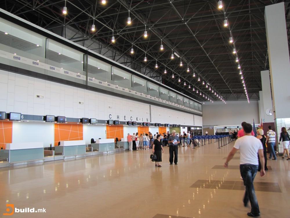 Низ двата македонски аеродрома во 2016 година минале 1 8 милиони патници
