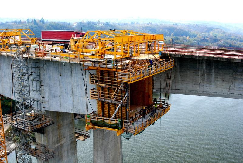 Мост Бешка