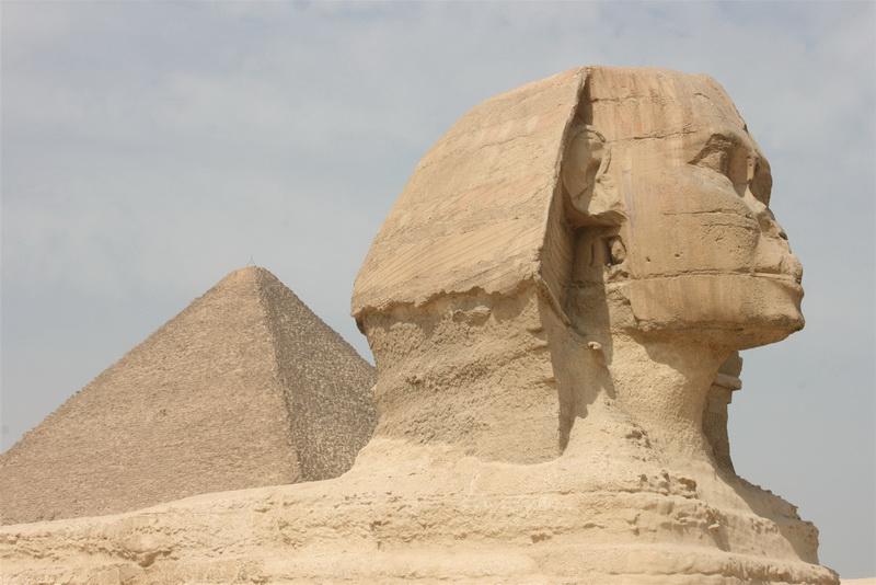 Кеопсовата пирамида